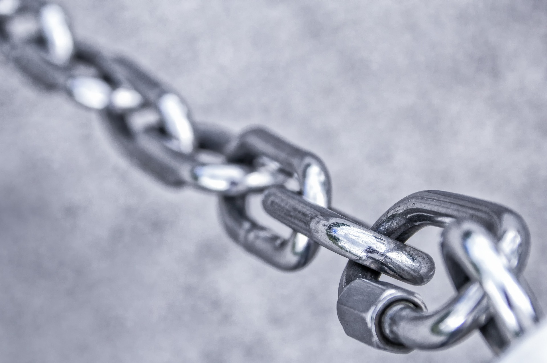 Connecting chain